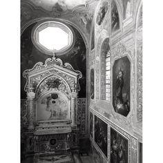 #napoli #convento #naples #architecture #chiostro #art #arte #photography #blackandwhite #b&w #church Powered by @ilraggio