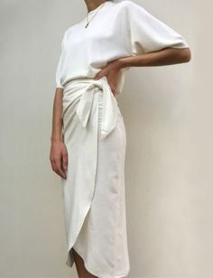 "Raw Silk Bobbie Wrap Skirt / Available in Multiple Colors Wickelrock ""Na Nin Raw Silk Bobbie"" – In mehreren Farben erhältlich White (Visited 1 times, 1 visits today) Looks Chic, Looks Style, Style Me, Look Fashion, Fashion Beauty, Fashion Outfits, Womens Fashion, Skirt Fashion, Fashion Goth"
