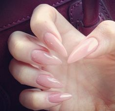 Don't know why but for some reason i love the the natural nude stiletto nails. Makes me feel like a badass catwoman lol. Dope Nails, Nails On Fleek, Pink Nails, Gel Nails, Manicure, Acrylic Nails, Gorgeous Nails, Pretty Nails, Nail Candy