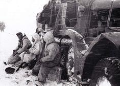 "Don river sector, January 1943. Full retreat, following Soviet offensive ""Uranus"". ECPAD (DAT 2418 L.24 & 2420 L.37) World War Ii, Ww2, Mount Rushmore, Past, Germany, Army, Military, History, River"