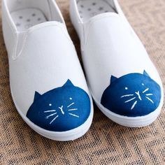 Easy DIY to make adorable ballet flats or cat shoes. Easy to follow instructions and pictures.