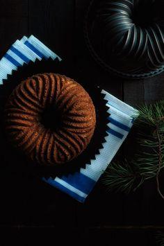 Maire-mummun rusinakakku. Russinkaka. Raisin cake. Bundt Cake.
