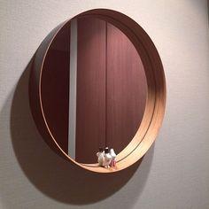 女性で、のTEORI/フィギュア/ムーミン/ひとり暮らし/北欧雑貨/シンプル…などについてのインテリア実例を紹介。「玄関の鏡にもムーミンのアドベントカレンダーのフィギュアを乗せてみました。」(この写真は 2017-02-23 13:50:59 に共有されました)