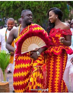 We have collected 30 Ghanaian kente dresses 2020 for dropping some inspiration. For starters, the Kente maybe a colorful approved cloth from Ghana that's hand-made on a loom. African Wedding Attire, African Attire, African Dress, African Weddings, Ghana Traditional Wedding, Traditional Wedding Dresses, Traditional Fabric, Latest African Fashion Dresses, African Print Fashion