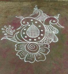 Easy Rangoli Designs Diwali, Best Rangoli Design, Indian Rangoli Designs, Rangoli Designs Latest, Rangoli Designs Flower, Free Hand Rangoli Design, Rangoli Border Designs, Small Rangoli Design, Rangoli Patterns