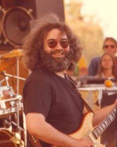 """Nothing left to do but smile, smile, smile"" Jerry Garcia The Grateful Dead @ Campus Stadium University of California, Santa Barbara June 1979 pinner said Grateful Dead Shows, Grateful Dead Image, Dead Band, Miss Your Face, Dead And Company, Let Your Hair Down, Forever Grateful, Rock Legends, Music Photo"
