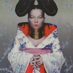 For Bjork's cover shoot for her 1997 album Homogenic, she commissioned young rising star Alexander McQueen to create a surreal look (no digital manipulation!) depicting her as a warrior who had to fight not with weapons, but with love. Anthony Kiedis, Cool Album Covers, Music Album Covers, Music Albums, Freddie Mercury, Bjork Homogenic, Bjork Debut, Groupe Pop Rock, Alexander Mcqueen