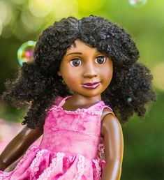Pre-order only. Expected delivery in June 2018. Mackenzie Hill is running for President of her school. She's captain of the school's debate team and loves a good negotiation.She has ambitions of being a Senator and, eventually, President. Details -18-inch doll with half-cloth body - Doll comes in