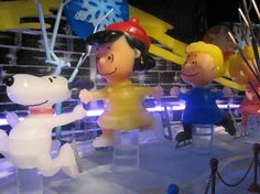 CHARLIE BROWN ON ICE! - Skating