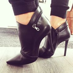 #blackleather #booties #pumps #stilettos