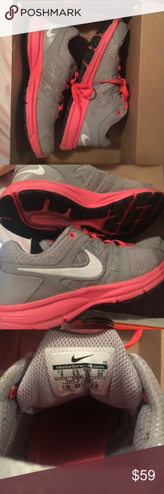 Nike Women's Air Relentless 2 ✨ These are very comfortable, lightly worn Nike women's Air Relentless 2's. Nike Shoes Sneakers