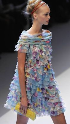 Modern frilly feminine Beautifuls.com Members VIP Fashion Club 40-80% Off Luxury Fashion Brands