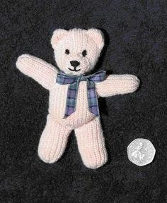 First teddy Pattern freeChild Knitting Patterns First teddy Sample Baby Knitting Patterns Need To Buy Some Toys? Whether you're someone that has kids or doesn't, you may need to buy toys for the kids inWebmail :: More Pins for your board ToysTiny bea Knitting Bear, Teddy Bear Knitting Pattern, Knitted Doll Patterns, Animal Knitting Patterns, Knitted Teddy Bear, Knitted Dolls, Loom Knitting, Teddy Bears, Knitting Toys