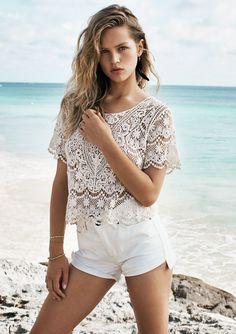 Anna Ewers Models Beach Style for Mango Summer Anna Ewers, Tulum Mexico, Zapatos Steve Madden, Moda Mango, Cool Outfits, Summer Outfits, Spanish Fashion, German Fashion, Boho Fashion
