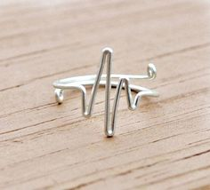 """heartbeat diy wire ring Could be a romantic symbol or an """"awareness"""" project. I like the idea."""