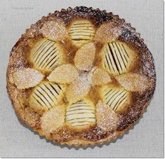 Gizi-receptjei: Vaníliás-körtés pite. Apple Pie, Desserts, Food, Tailgate Desserts, Deserts, Essen, Postres, Meals, Dessert