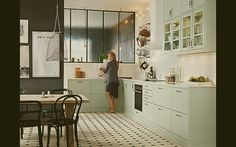 Top 10 – The most chic kitchen spaces this summer can have - Daily Dream Decor - Green Apartment, Apartment Kitchen, Kitchen Interior, Light Grey Kitchens, Cool Kitchens, Small Kitchens, Sliding Room Dividers, Grey Kitchen Cabinets, Green Cabinets