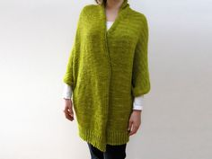 ponchos, swonchos, cocoons .... some good information plus link to this pattern ..... from Julie Weisenberger of cocoknits