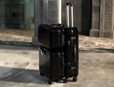 A Family of Suitcases that Stick Together! | Yanko Design