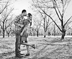 El Paso Wedding Blog . Belle the Magazine: {Engagement Session} : Hayley + Tony by Ideology Photography