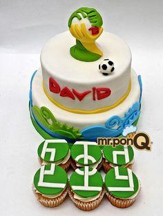 Torta y cup-cakes futbol. Mundial de futbol.mrponQ