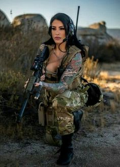 Gotta call bs on this one lil too much make up for plinking lol but where are the prison uniforms help salvabrani Military Girl, Female Soldier, Military Women, Girls Uniforms, N Girls, Guns, Beautiful Women, Poses, Lady