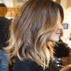 Inspiração do dia: Cortes médios são tendencia e caem super bem, independente do seu tipo de cabelo!
