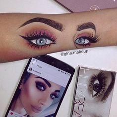 "Polubienia: 32.4 tys., komentarze: 197 – Huda Kattan (@hudabeauty) na Instagramie: ""Amazing 😱😍😍😍 @gina.makeup You're so talented 🙌🏻🙌🏻🙌🏻"""