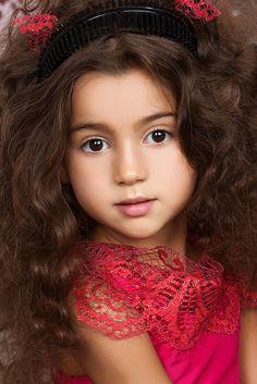Sofia Samar-Ostroverkhova (born 2008) Russian child model and gymnast. Evgeniya Proyavko Photography.
