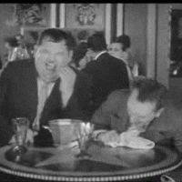 Laurel And Hardy, Stan Laurel Oliver Hardy, Bisous Gif, Easy Pranks, Photo Star, Classic Comedies, Funny Tweets, Funny Fails, Funny Videos