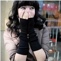 Buy 'Little Flower – Fingerless Long Mittens' with Free International Shipping at YesStyle.com. Browse and shop for thousands of Asian fashion items from China and more!