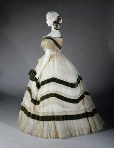 1858-1868 silk, velvet and lace evening dress