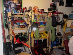 climbing gear room and this is how I will store my climbing gear :-) in the Future you see ; Outdoor Life, Outdoor Fun, Outdoor Gear, Acadia National Park Camping, Camping In England, Camping Gear, Camping Equipment, Beach Camping, Backpacking