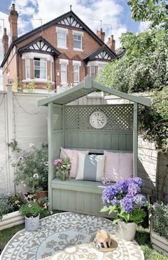 Back Garden Design, Backyard Garden Design, Backyard Landscaping, Landscaping Ideas, Small Garden Landscape, Garden Spaces, Small Cottage Garden Ideas, Small Back Garden Ideas, Cottage Garden Patio