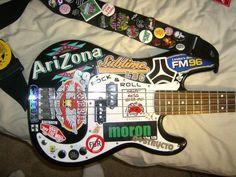 28 Unbelievable Bass Guitar Under 20 Bass Guitar Volume And Tone Pot Music Guitar, Cool Guitar, Playing Guitar, Ukulele, Guitar Notes, Music Aesthetic, Aesthetic Grunge, Zona Musical, Guitar Stickers