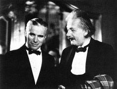 Charlie Chaplin e Albert Einstein  40 Fotos incríveis que mudarão sua visão sobre o passado ~ Postador BR
