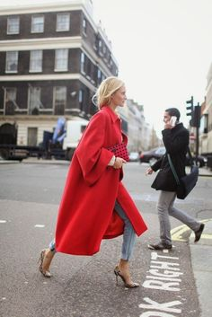 "Red oversized coat <div class=""pinSocialMeta""> <a class=""socialItem"" href=""/pin/573223858795837175/repins/""> <em class=""repinIconSmall""></em> <em class=""socialMetaCount repinCountSmall""> 1 </em> </a>"