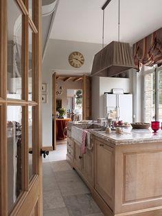 Greet's sister's home - Belgian Pearls blog.  Image source : Lefèvre Interiors Photo credit Montse Garriga
