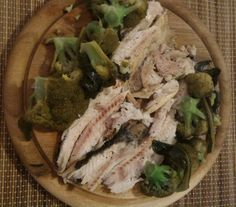 Trota iridea al vapore con broccoli ~ Steamed rainbow trout with broccoli