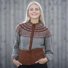 Bilde av Herborg jakken - Redd Barna strikkepakke (L/XL) Knitting Patterns Free, Knit Patterns, Free Knitting, Norwegian Knitting, Fair Isle Knitting, Bunt, Knitwear, Knit Crochet, Girl Fashion