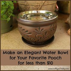 Need a huge planter for this -- Elegant DIY Dog Bowl Elevated Dog Bowls, Raised Dog Bowls, Raised Dog Feeder, Os Pets, Dog Water Bowls, Dog Yard, Puppy Care, Pet Care, Pet Bowls