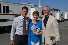 One more with Thomas Gibson on the set of Criminal Minds. (merletemple.com)