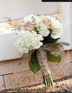 I've narrowed it down & I LOVE the bouquet! Now I have to decide between hydrangea or peony. What do you think Katie?