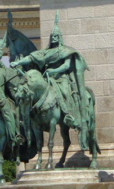 Árpád fejedelem szobra Budapest, Magyarország Monuments, Hungary, Budapest, Figurative, My Dream, Queens, Lion Sculpture, Frozen, Android