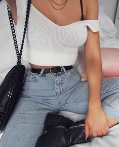 """2,945 mentions J'aime, 35 commentaires - Lydia Rose (@fashioninflux) sur Instagram: """"The happiest of Easter weekends  days in denim evenings in a food coma http://liketk.it/2r3Ny…"""""""