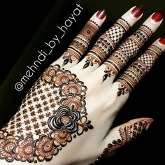 """As per the request Don't feel awkward when talking to Allah. It can only feel awkward if you think no one is listening. """"Indeed, my Lord is the All-Hearing of dua. Indian Mehndi Designs, Latest Mehndi Designs, Mehndi Designs For Hands, Bridal Mehndi Designs, Henna Designs, Mehndi Design Pictures, Mehndi Images, Kashees Mehndi, Stylish Mehndi"""