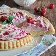 CROSTATA MORBIDA FRAGOLE PANNA E CIOCCOLATO BIANCO ricetta torta con panna e fragole facile da fare, perfetta come dessert o per feste o compleanni