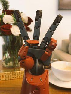 Kojima-Productions-LA-Prosthetic-Arm-Three-Fingers-2
