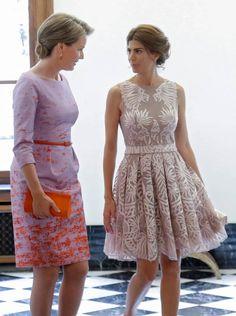 La reina Matilde de Bélgica y la esposa del presidente argentino, Juliana Awada. EFE/Olivier Hosletç