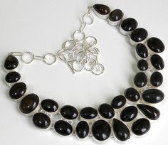 Gemstone : Black Onyx,,Length : 18 Inches,,Total Weight: 144.0 gms Our Price 36.21 $USD
